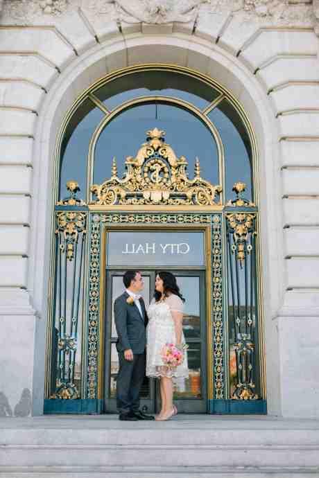 Comment compléter le dossier pour un mariage?