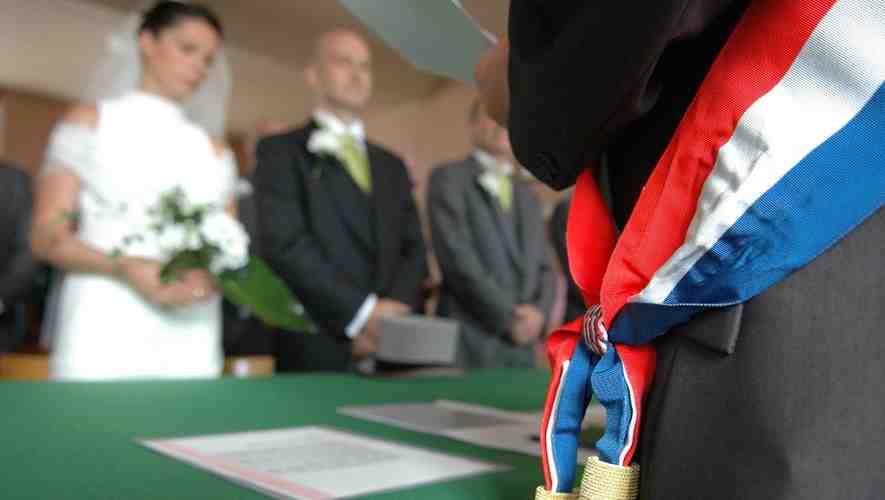 Est-il obligatoire de se marier à la mairie?