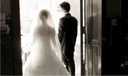 Pourquoi ne devrions-nous pas nous marier?